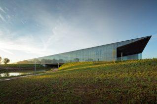 ザ・インタビュー  建築家  田根 剛「記憶をつなぐエストニア国立博物館」
