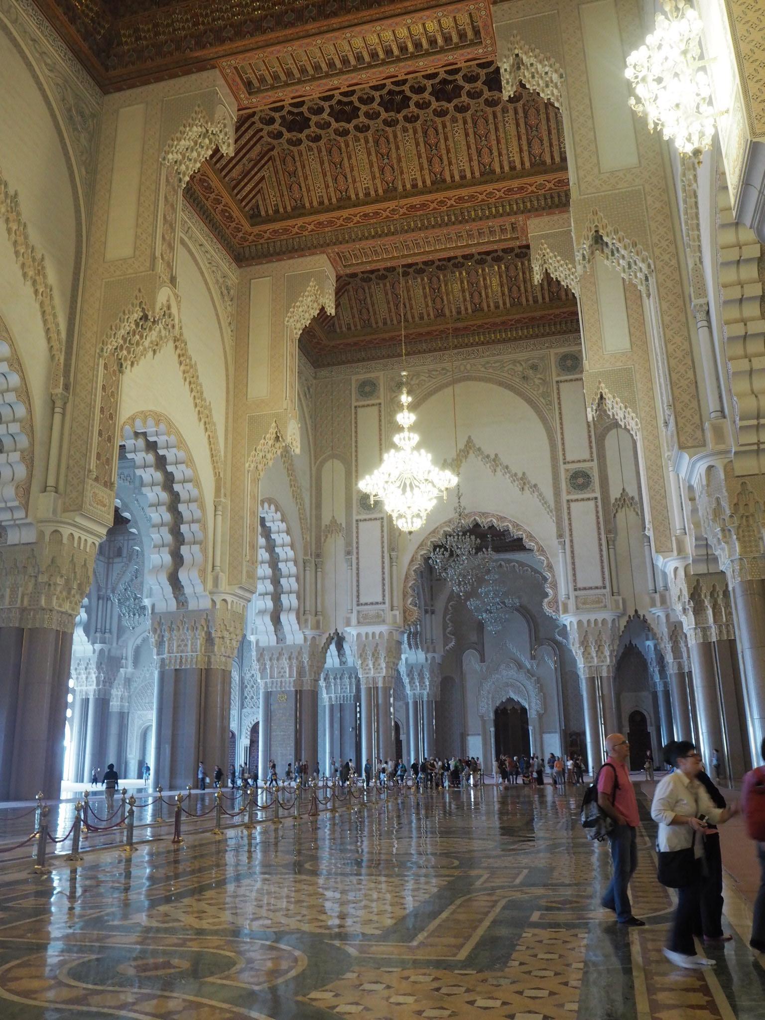 モスクの中って、どうなっているのだろう?