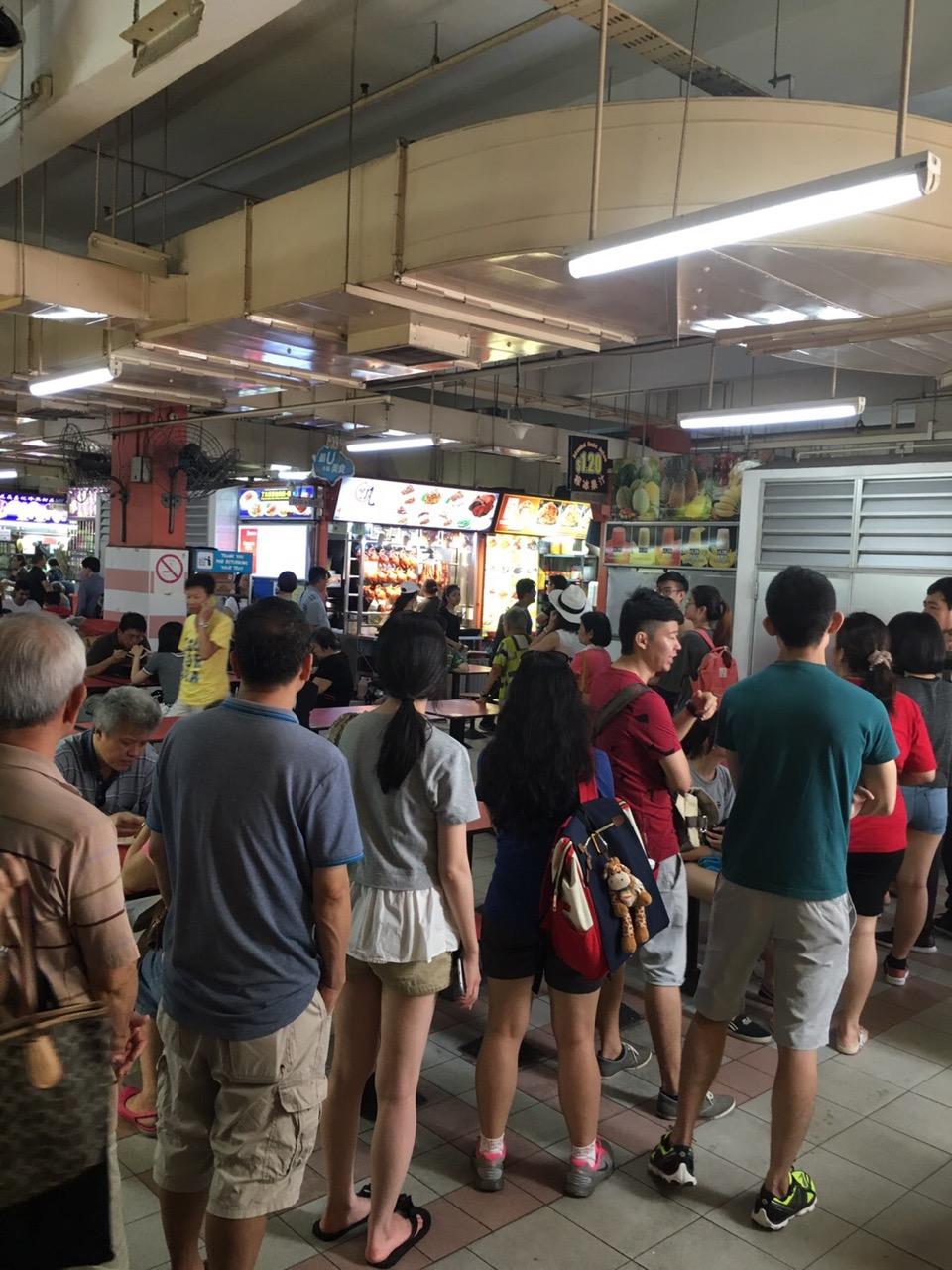 シンガポーリアンの食事情「3食外食生活を助けるホーカーセンター」