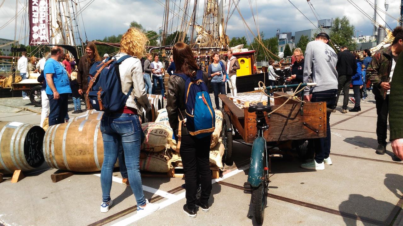 幼い頃の夢はなんですか?  オランダで帆船に出会った