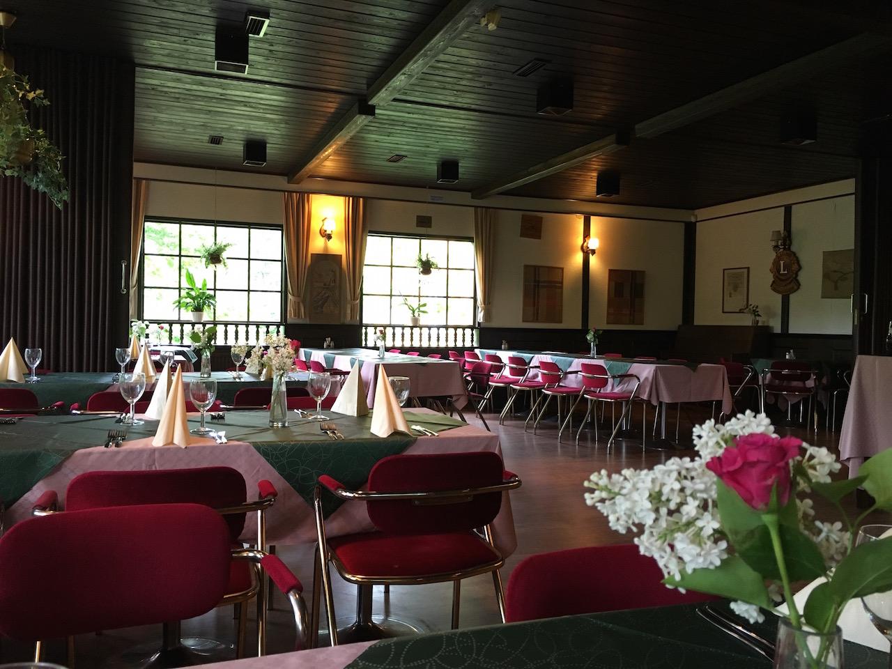 フィンランドの片田舎にある鄙びたレストランが面白い。