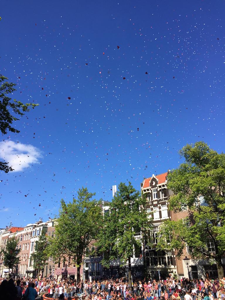 夏のハイライトを彩る、アムステルダムのゲイ・プライド