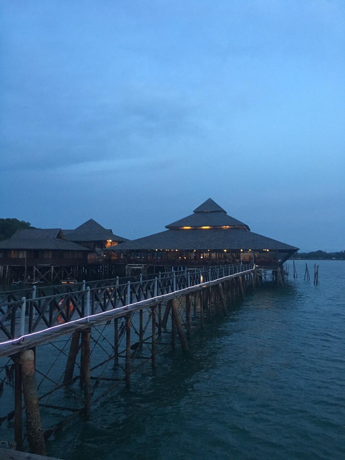 シンガポールからフェリーで1時間、インドネシア・ビンタン島へ