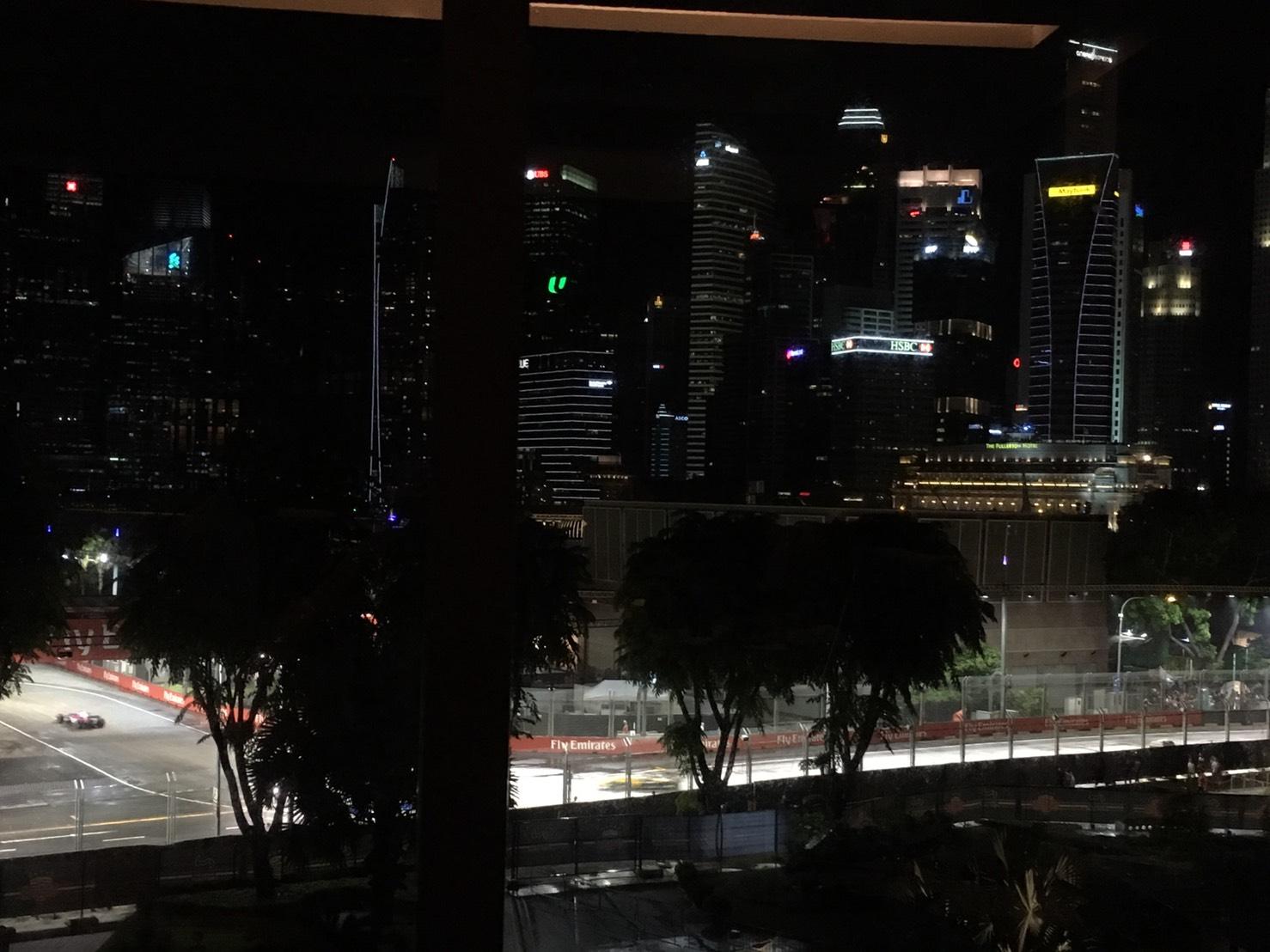 迫力の公道ナイトレース! F1シンガポールグランプリ