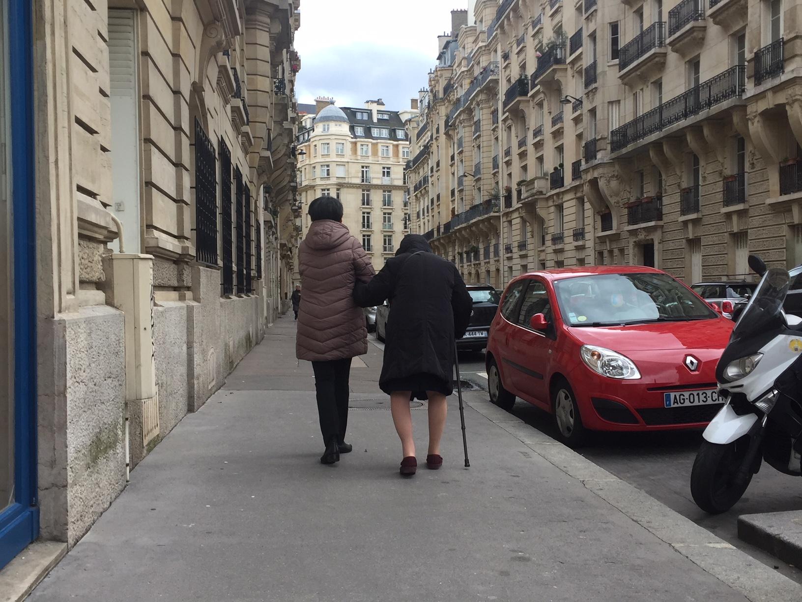 子供の世話にはならない! 自立を好むフランスのお年寄り、親と子のあり方。