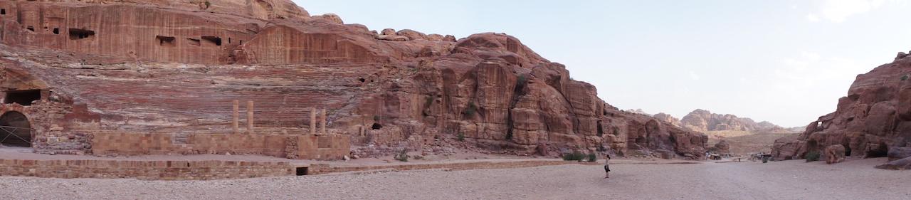 赤土パワーが漲る、ヨルダン王国「ペトラ遺跡」で宝探し。