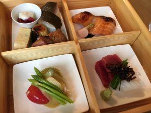 佐伯幸太郎の美女と美食三昧「佐伯の三ツ星、パリの京料理、ENYAA」