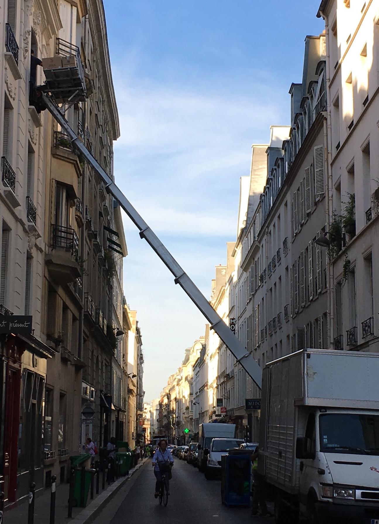 仰天! パリの引っ越し