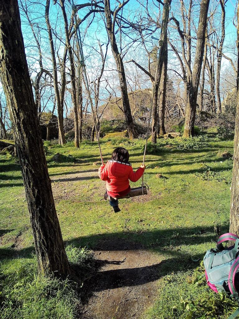 イスキア島のおとぎ話の森