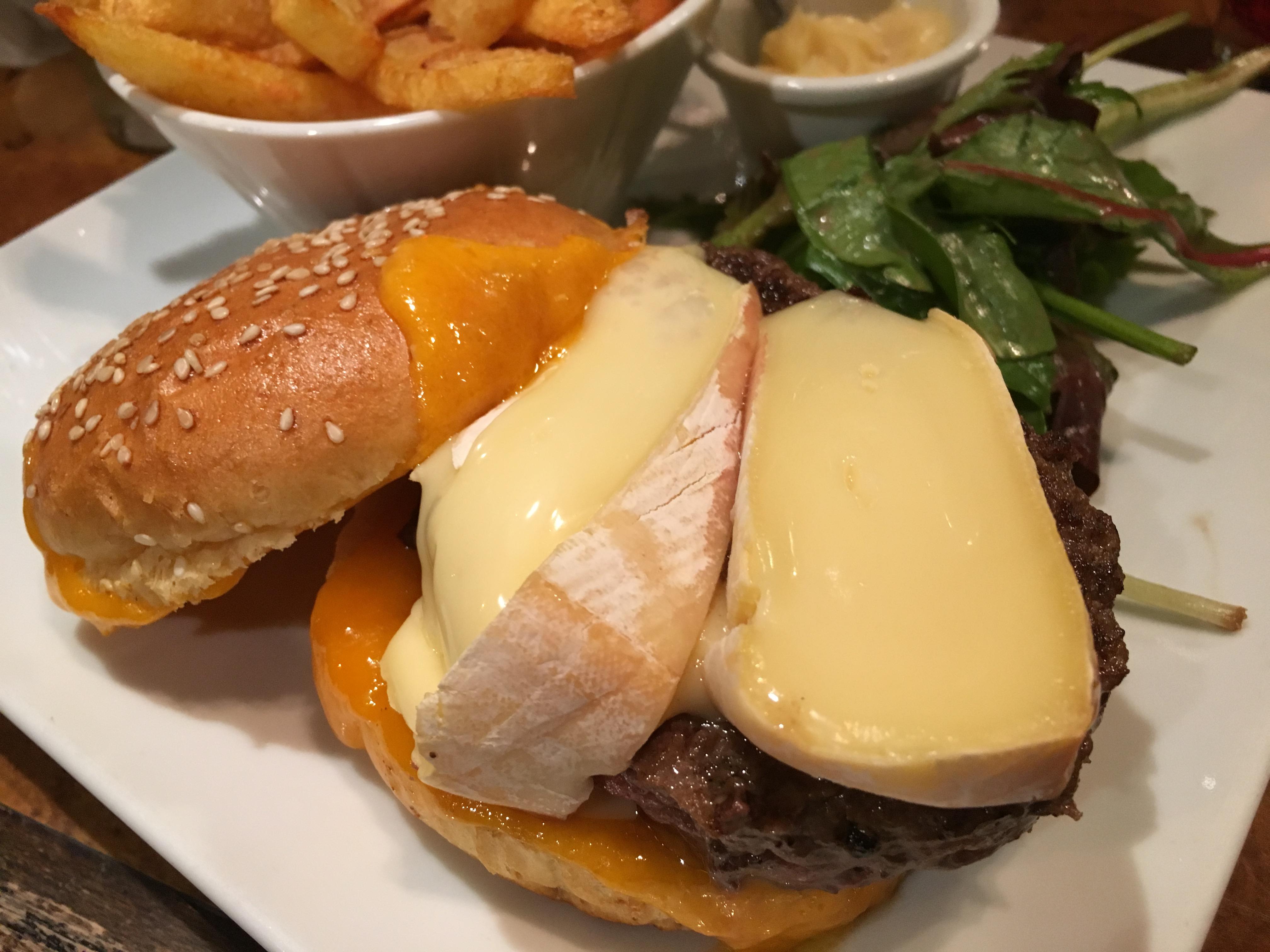 滞仏日記「パリで世界一のハンバーガーを食べた」