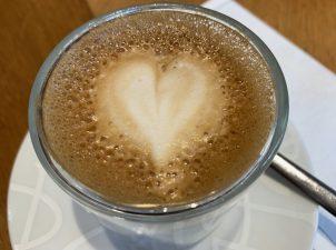 滞仏日記「パリの朝、カフェで、ささやかな感動」
