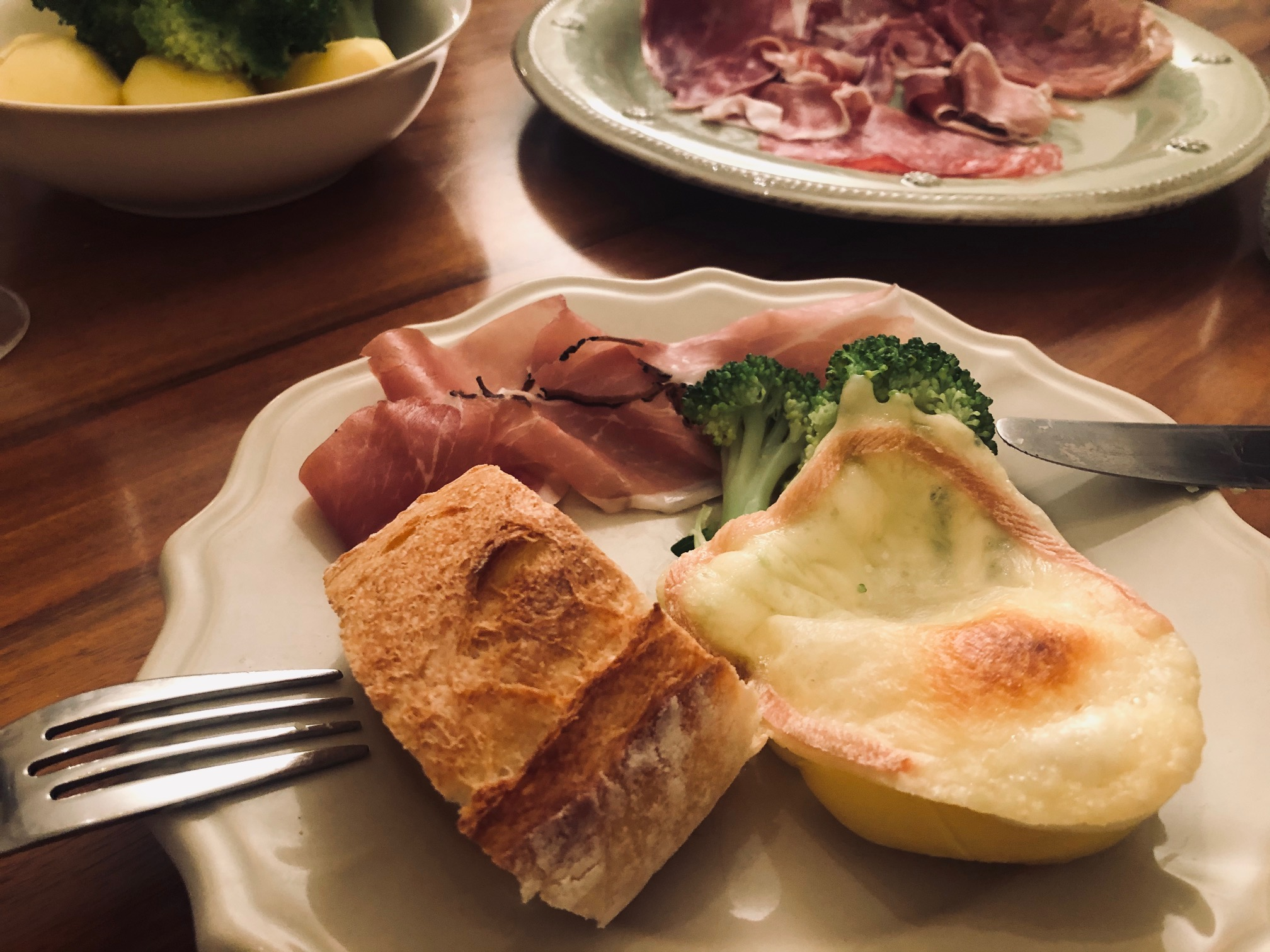 フランスの食卓。寒い夜にみんなで囲むものは?