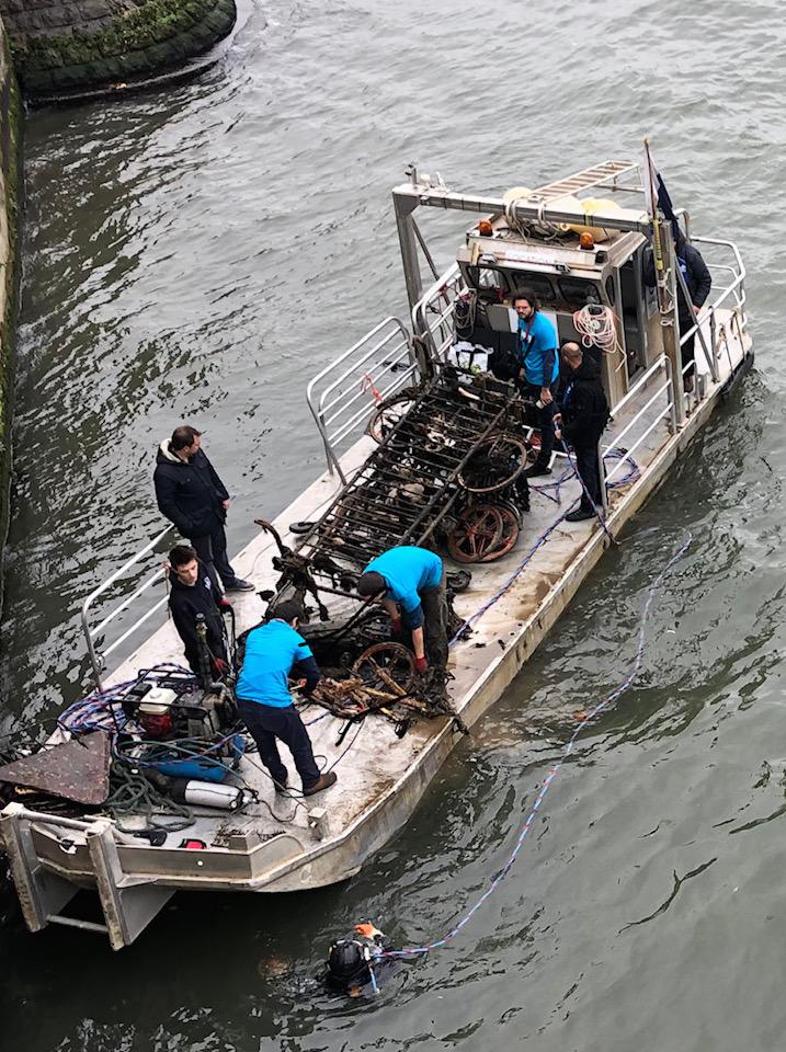 セーヌ川に沈む宝物