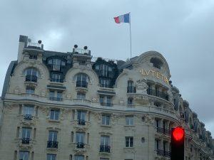 パリ最新情報「コロナと共に生きる、フランス教育機関の新たな指針に驚く」