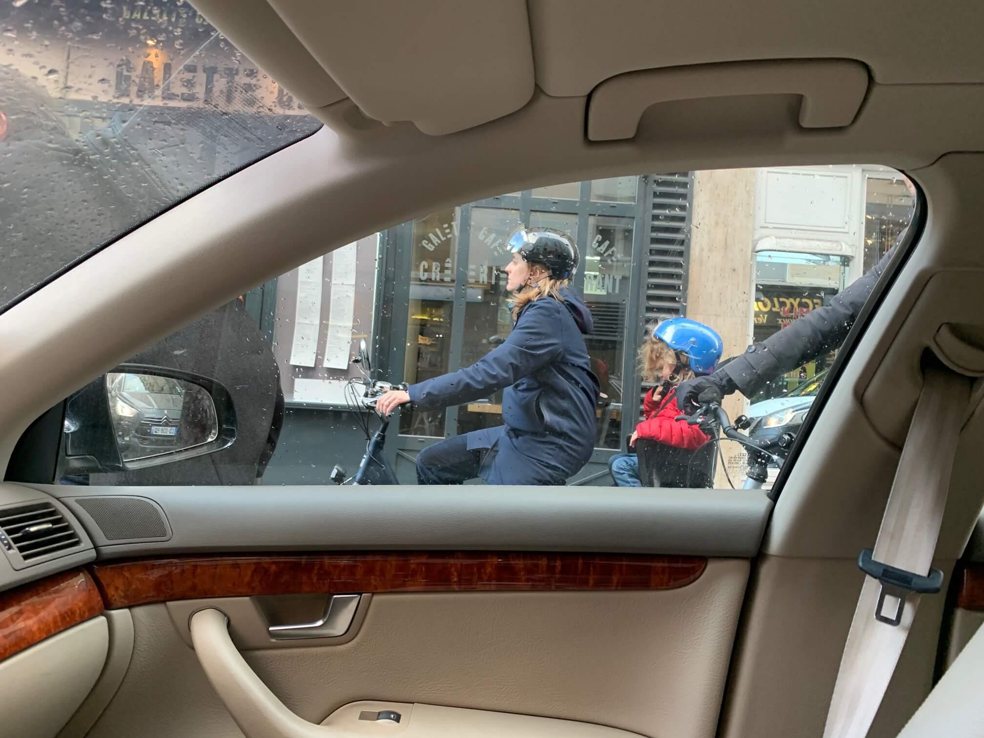 滞仏日記、2「家族同様の愛車を息子が絶対手放したがらない」