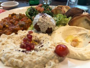 滞仏日記「パリのマダムに大人気、レバノン料理を食べてみた」