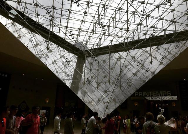 パリ最新情報「ルーヴル美術館に初の女性館長!で、変わること」