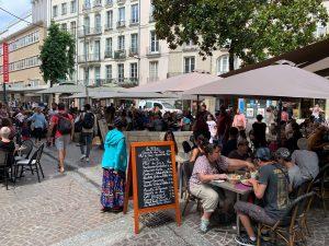 パリ最新情報「22時閉店! フランス飲食業界の悲鳴と怒り」