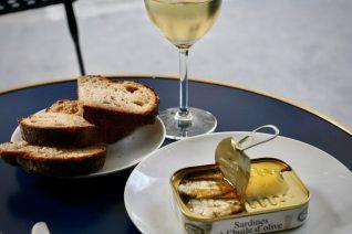 家庭フレンチの定番を「フランス流、オイルサーディンの食べ方」