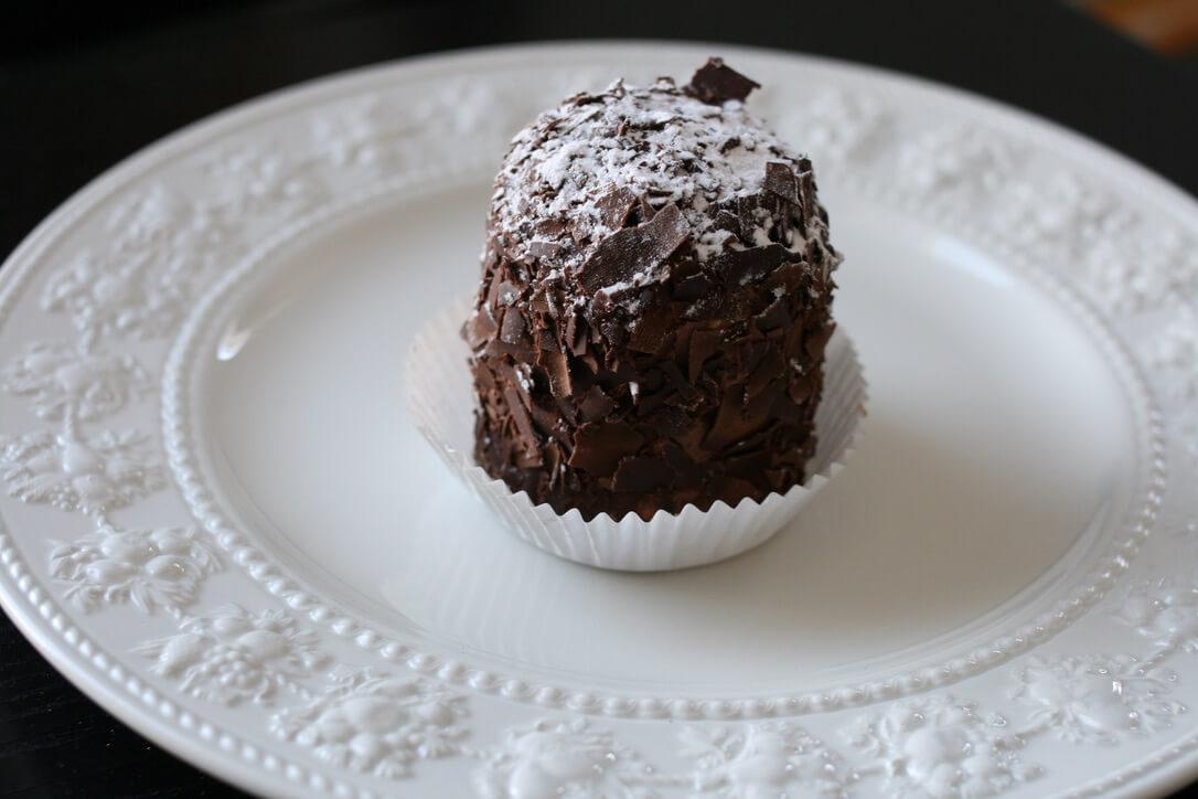 家庭フレンチの定番を「フランス人が大好きなメレンゲ菓子、メルヴェイユー」