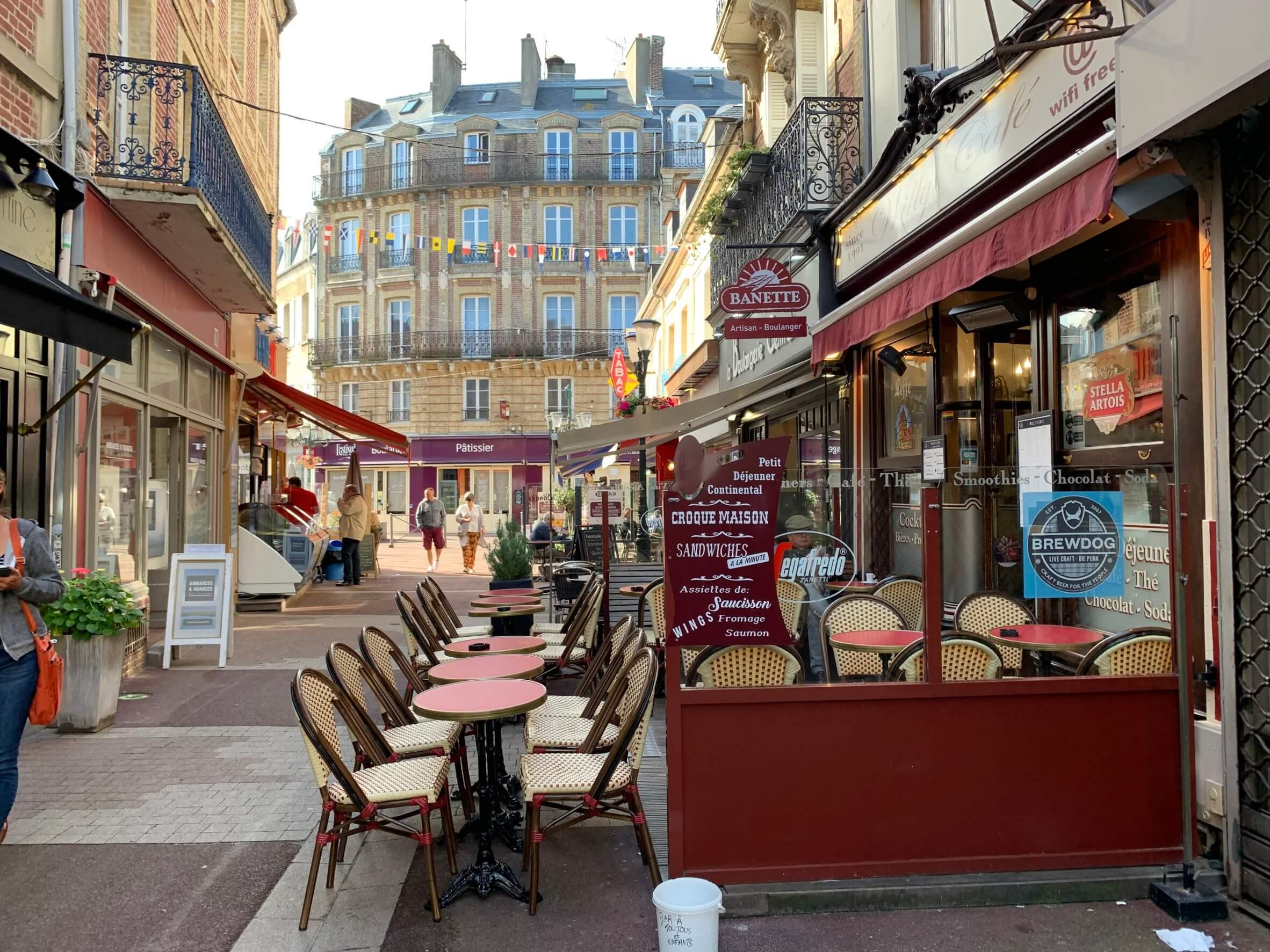 パリ最新情報「ついにフランスのカフェ、レストランが再開した」