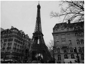 速報・パリ最新情報「ついに、パリに21時から朝の6時まで外出禁止令発動!」