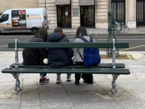 パリ最新情報「フランスは土曜日から全土で18時以降の外出禁止となる」