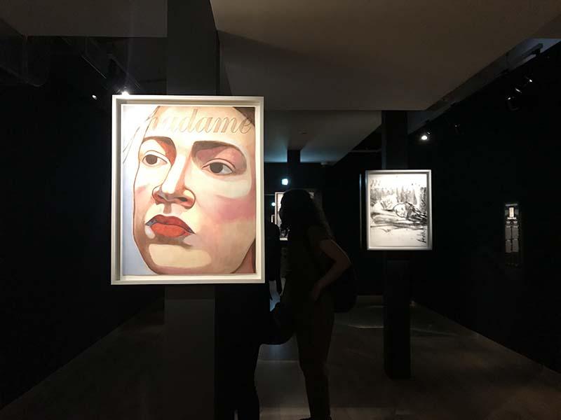 パリ最新情報「女性ポートレートオンリーの展覧会。売り上げ金はアーチストの願う先へ寄付」