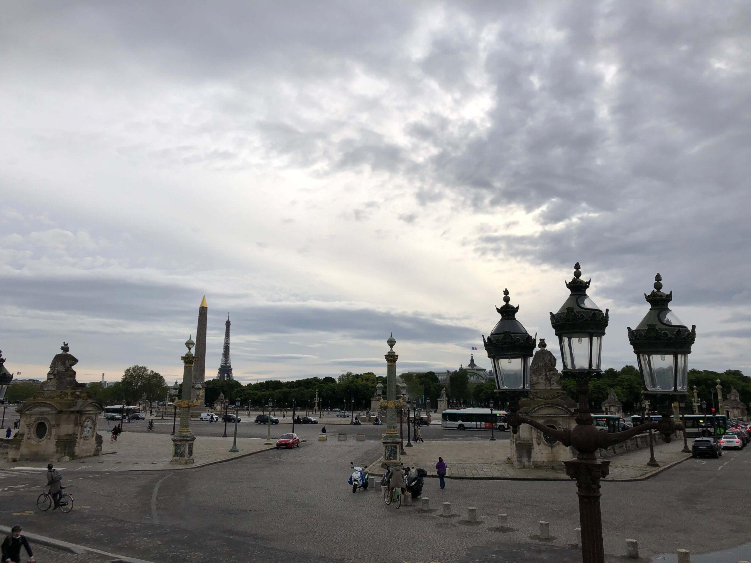 パリ最新情報「クリーンな街を目指すパリ、時速30キロの速度制限が始まる」