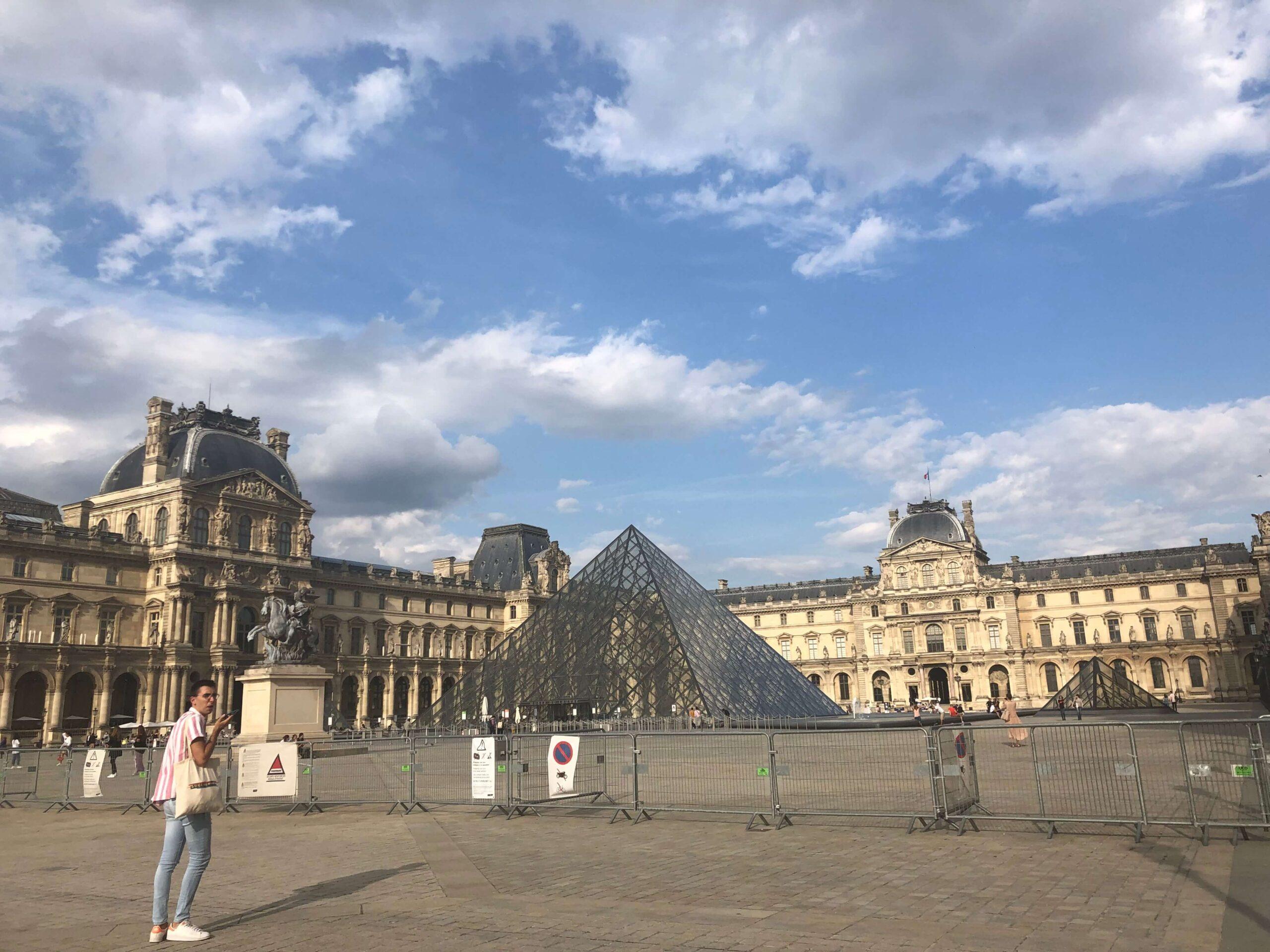 パリ最新情報「衛生パスポートの提出が義務化された、フランスの今」