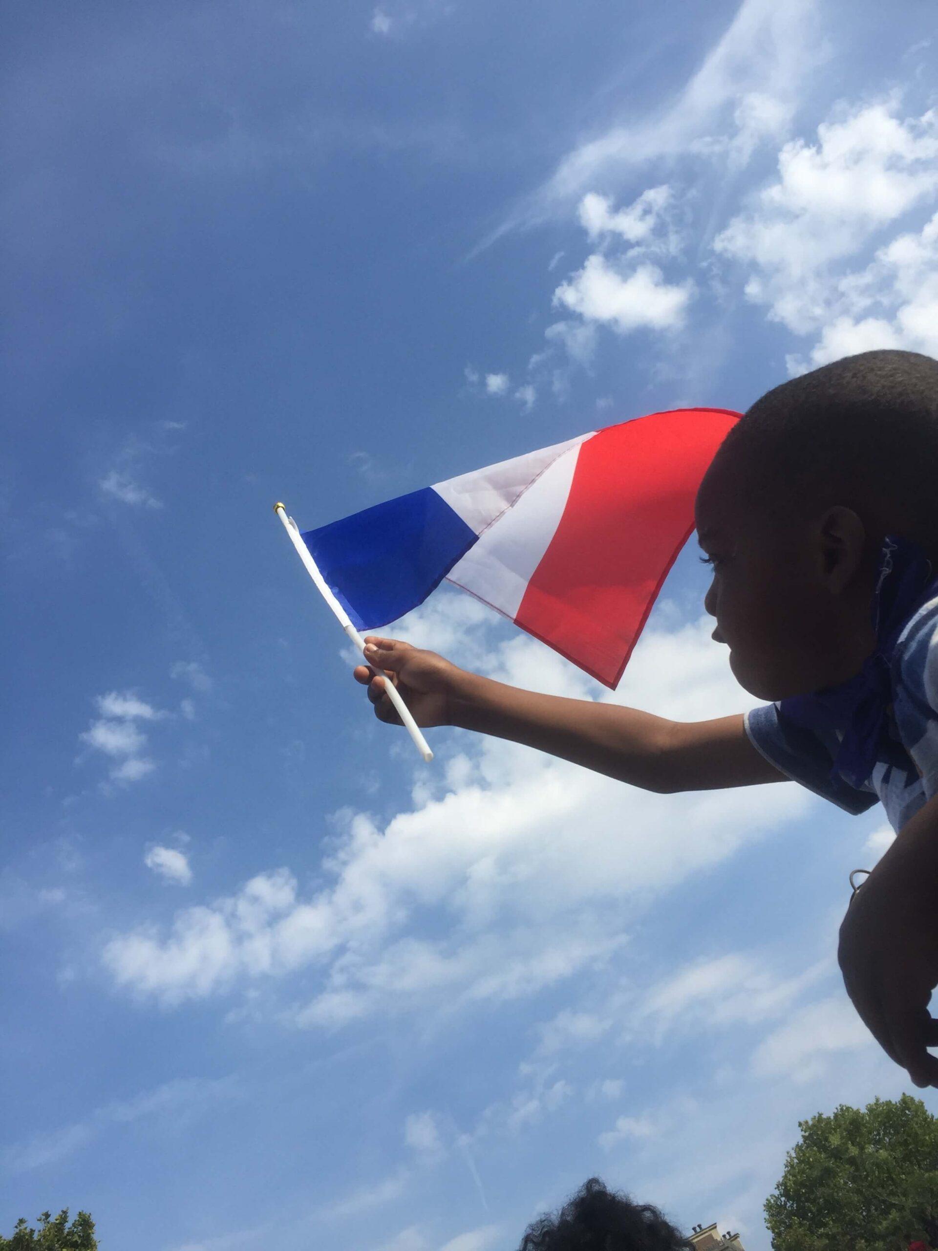 パリ最新情報「フランス各地で「アンチ・衛生パスポート」なるデモが勃発!」