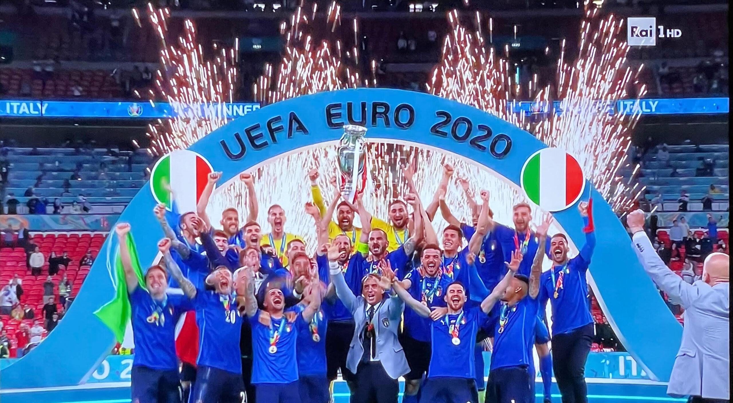 イタリア最新情報「ウィンブルドン、ヨーロッパ杯、イタリアの特別な日曜日」