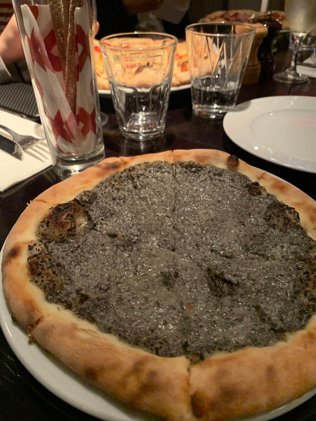 滞仏日記「二コラとマノンと息子とぼくとそこそこ美味しいピザを食べに行く」