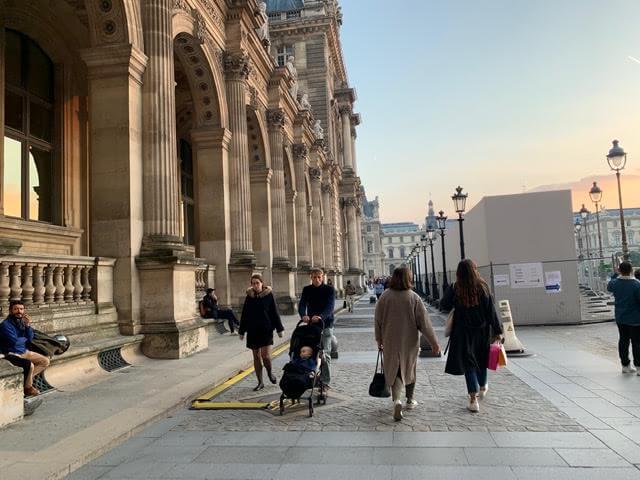 退屈日記「暮れなずむパリのこの美しき世界をそぞろ歩く、おっさんずラブな野郎たち」